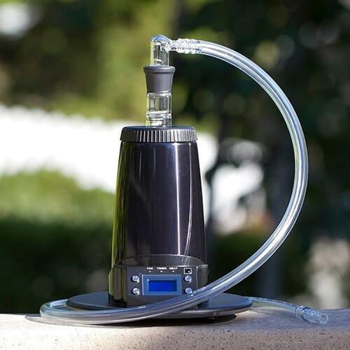 Arizer Extreme Q on suure suutlikusega statsionaarne aurusti, mida saab kasutada nii piitsa, kui ka õhupalliga