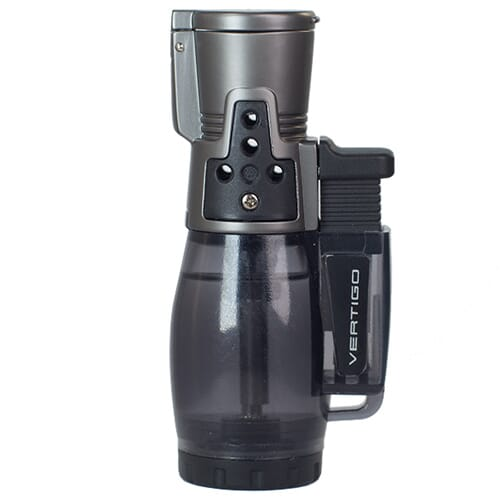 Le Cyclone II Triple Torch de Vertigo est un briquet torche abordable avec un réservoir de carburant transparent.