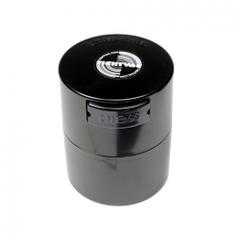 El TightVac MiniVac mantiene tu hierba fresca y el olor se contiene dentro